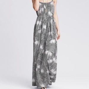 NWT Banana Republic Leaf Print Maxi Dress 4P
